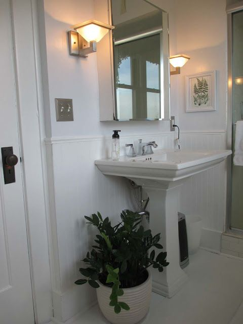 Garden Fancy: My new white, plant-filled bathroom