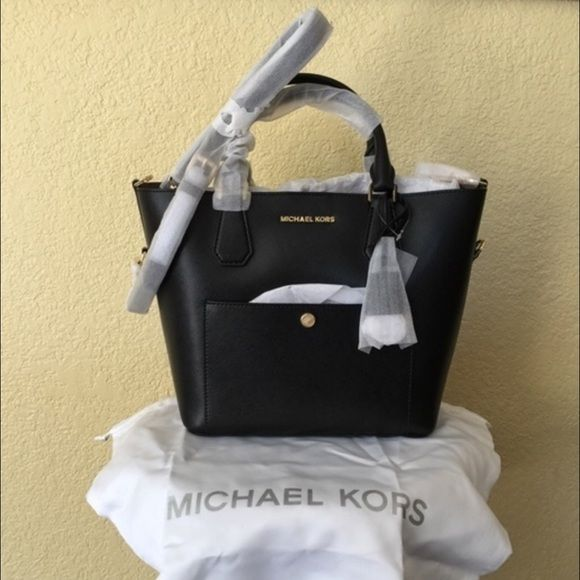 77a9c830c5f1 FINAL TODAY ONLYMichael Kors Large Grab Bag $202 plus shipping through  Vinted!!!!!!!!Featured in Black/Dusty Rose Large Bag Double top handles; ...