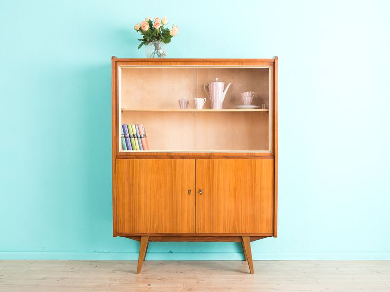 traumhafte vitrine kommode 50er 60er danish von mid century friends auf. Black Bedroom Furniture Sets. Home Design Ideas