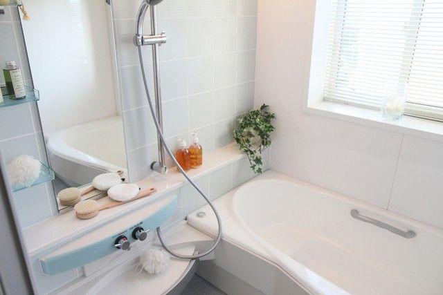 専門業者に学ぶ トイレ 風呂の掃除術 頑固な汚れを落とす10の裏技 お掃除 整理整頓のアイデア 裏技
