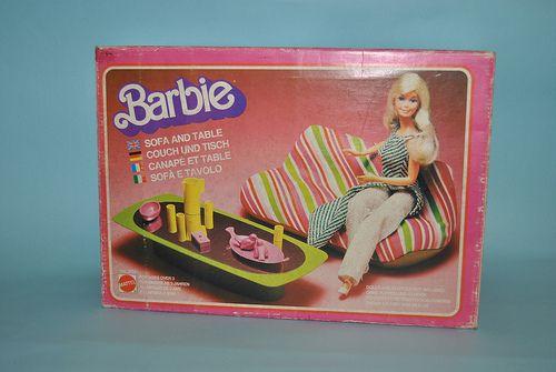 Casa Ufficio Barbie : Sofà e tavolo anni 70 barbie stuff barbie playsets and childhood