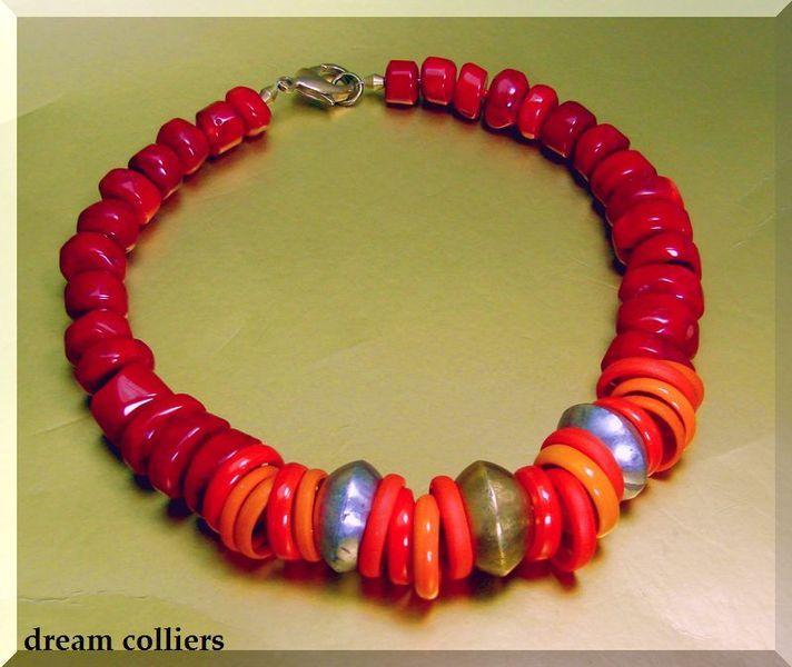 OktoberZinnober  Glaskette mit Koralle von Dream-Colliers auf DaWanda.com