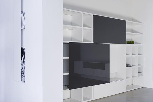 Tv kast op maat met schuifdeuren tv ruimte lak wit zijdeglans