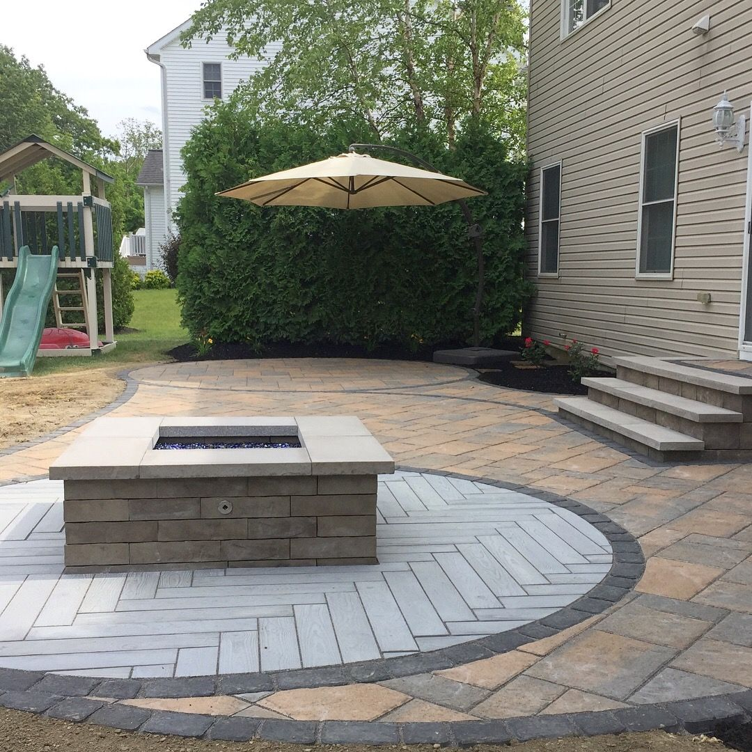 Sf paver patio with a square k btu natural gas fire pit
