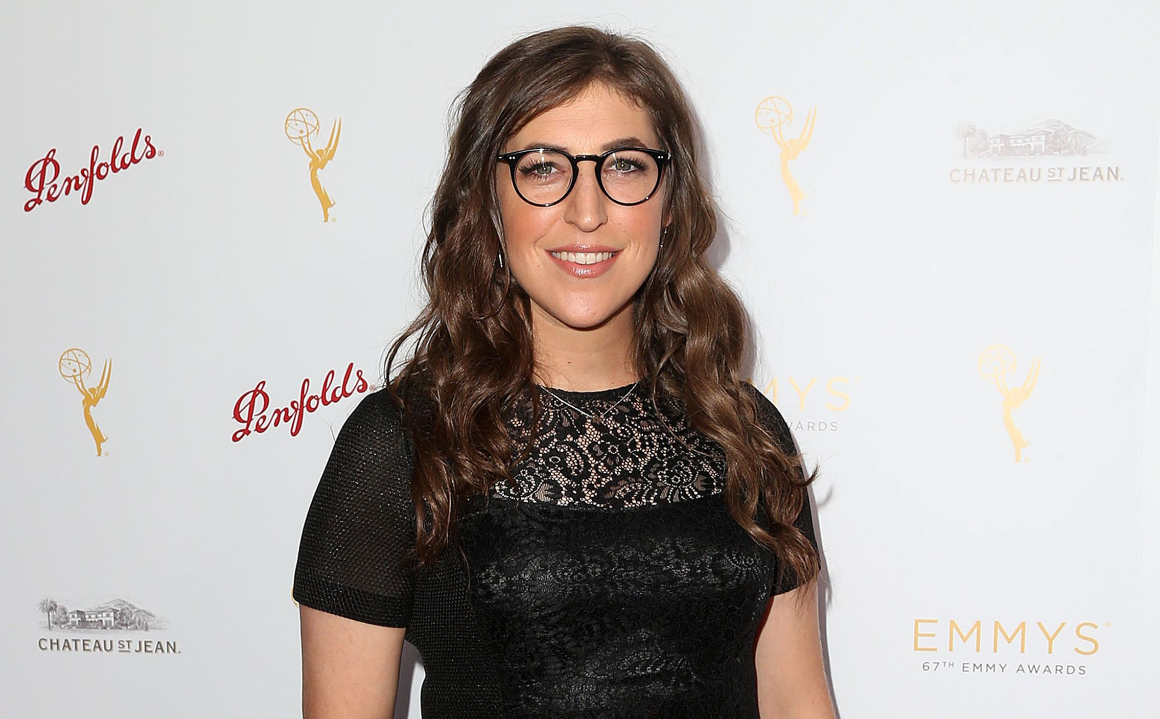 Mayim Bialik's 'Girling Up' to Motivate Women of Tomorrow