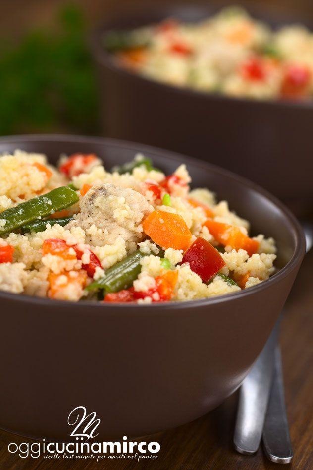 Il cous cous con verdure miste è un piatto buono sia in estate che in inverno e si presta ad essere un primo sfizioso ma, con l'aggiunta di tocchetti di pollo, anche un piatto unico ricco e salutare.