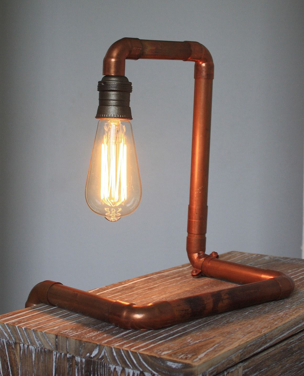 lampe design industriel avec ampoule vintage edison d co. Black Bedroom Furniture Sets. Home Design Ideas