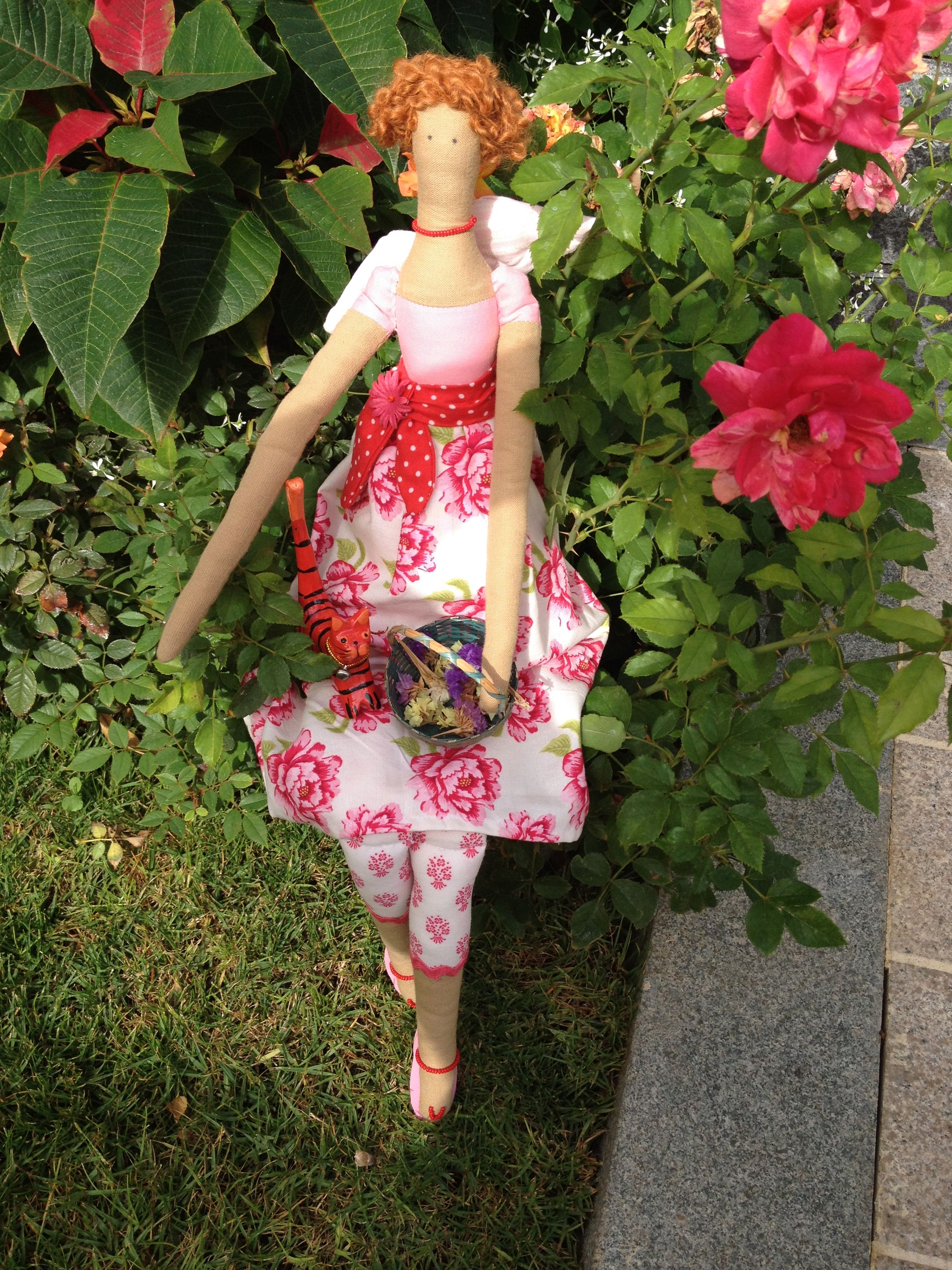 Muñeca en tela. Fabric doll