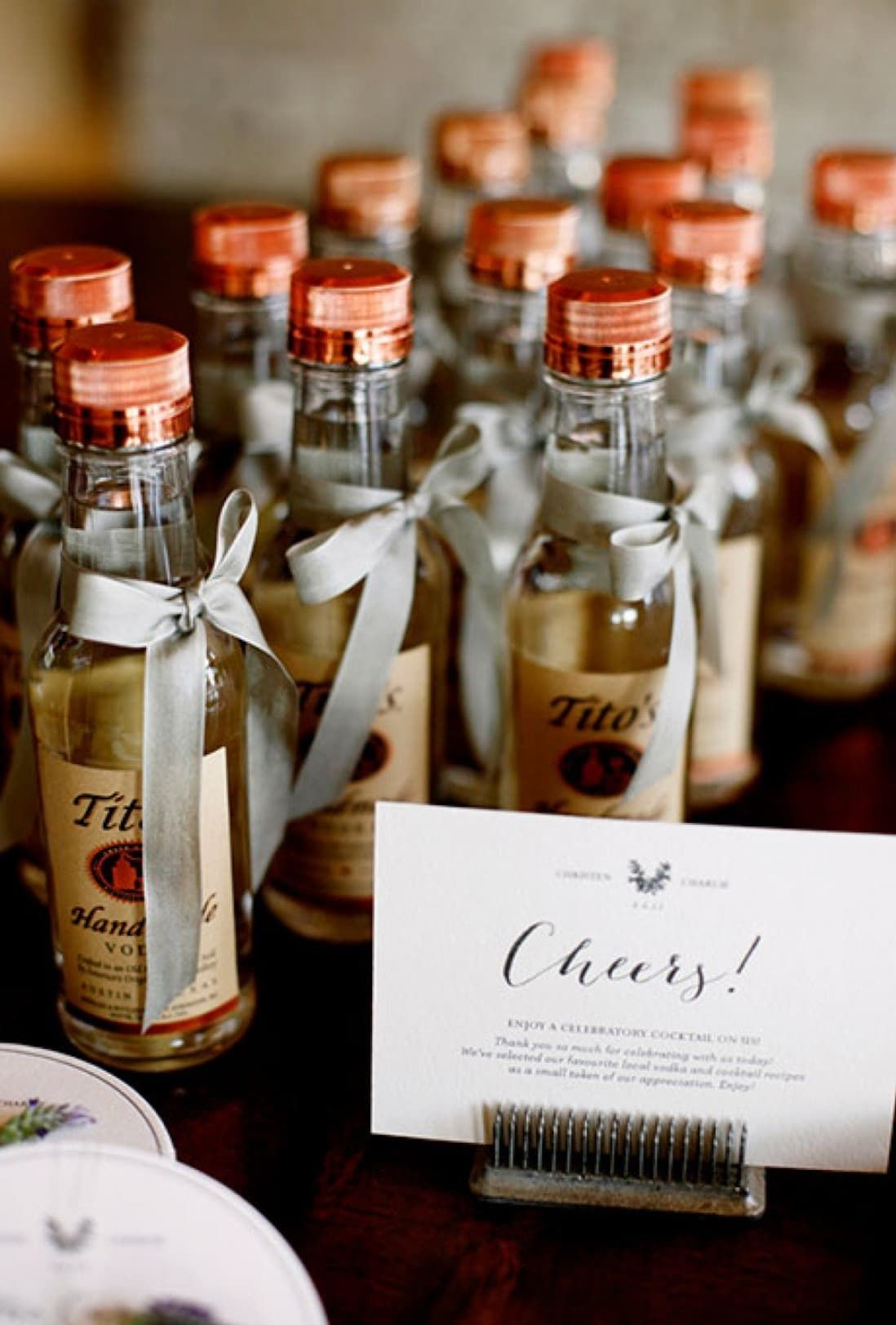 9 wedding favors your guests will actually want to grab in