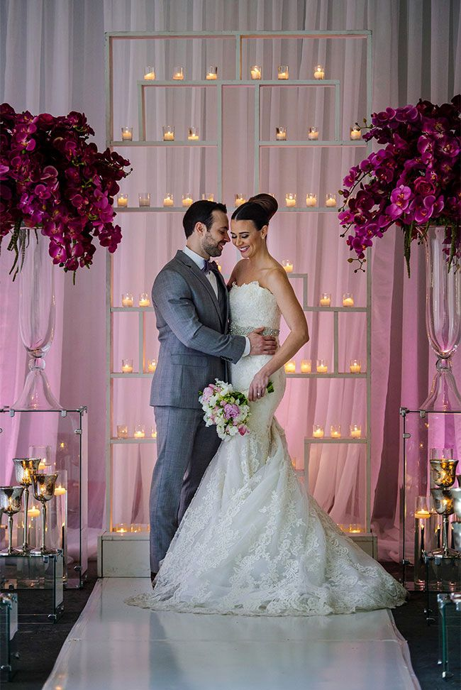 Obsessed with the modern backdrop! | Wedding ceremony backdrop