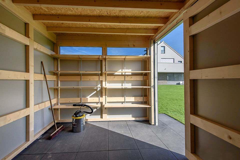 Innenansicht Gartenhaus Massive Holzkonstruktion Als Träger Für Hpl
