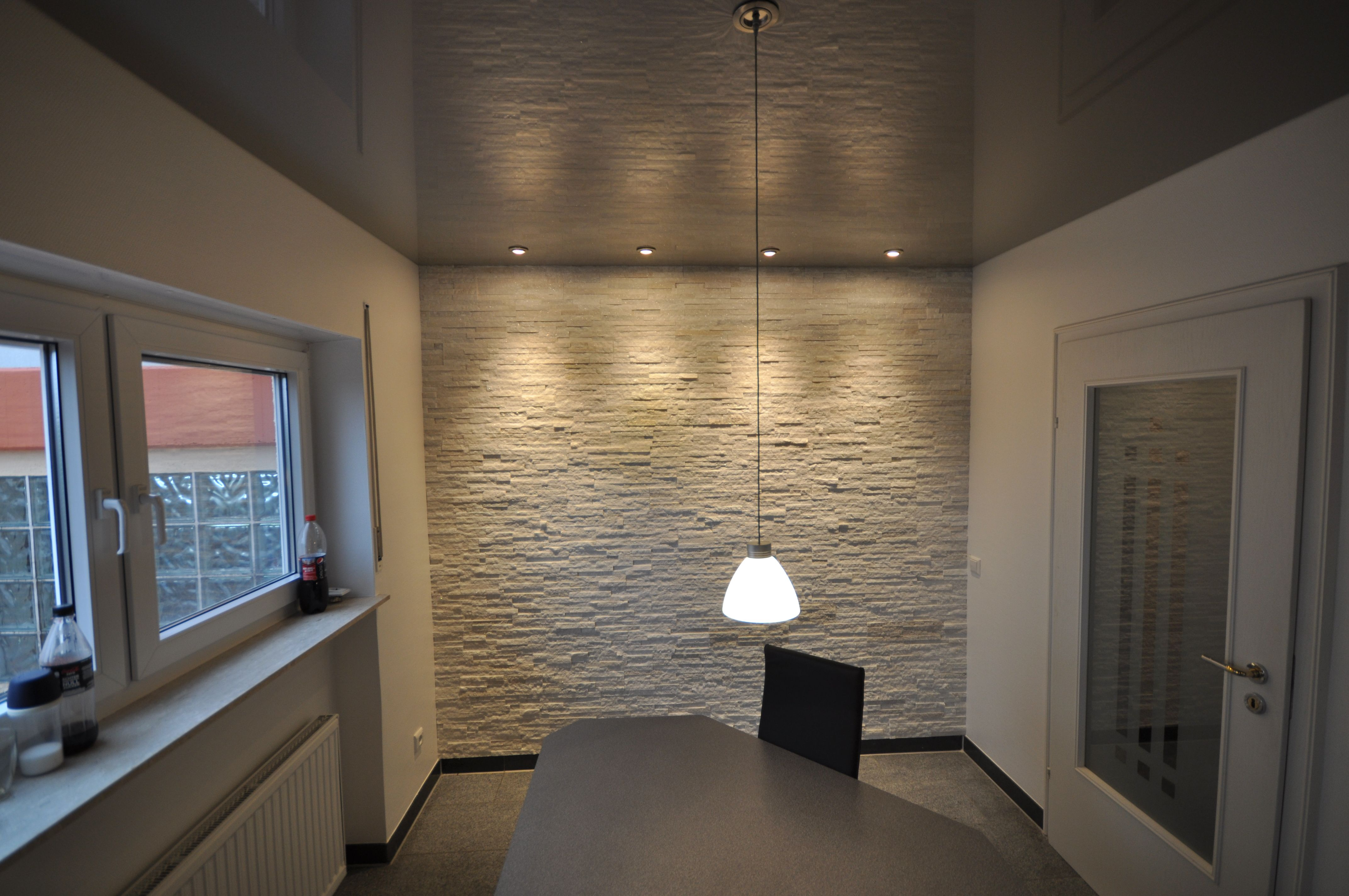 Wohnzimmer Renovieren ~ Spanndecke weiß hochglanz mit led in der schattenfuge #wohnzimmer