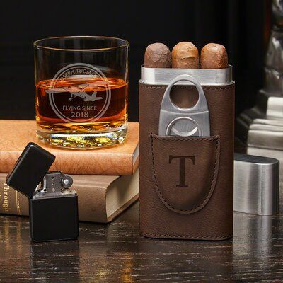 Pin By Hakan Yeni On Cigars Whisky In 2020 Cigar Gifts Cigars And Whiskey Personalized Cigars