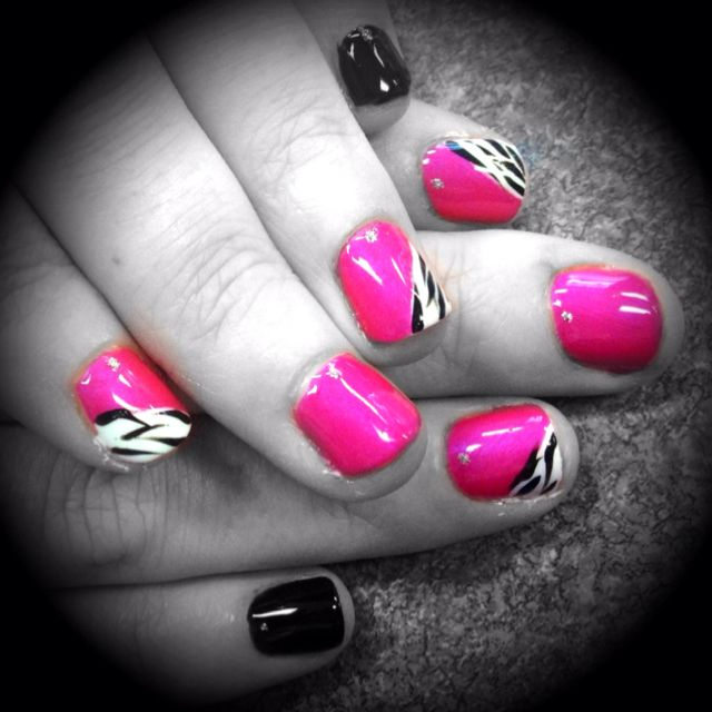Hot Pink Zebra S Nails By Jeannie Nail Station Glen Burnie Md 3 Pink Zebra Nails Zebra Nails Nails
