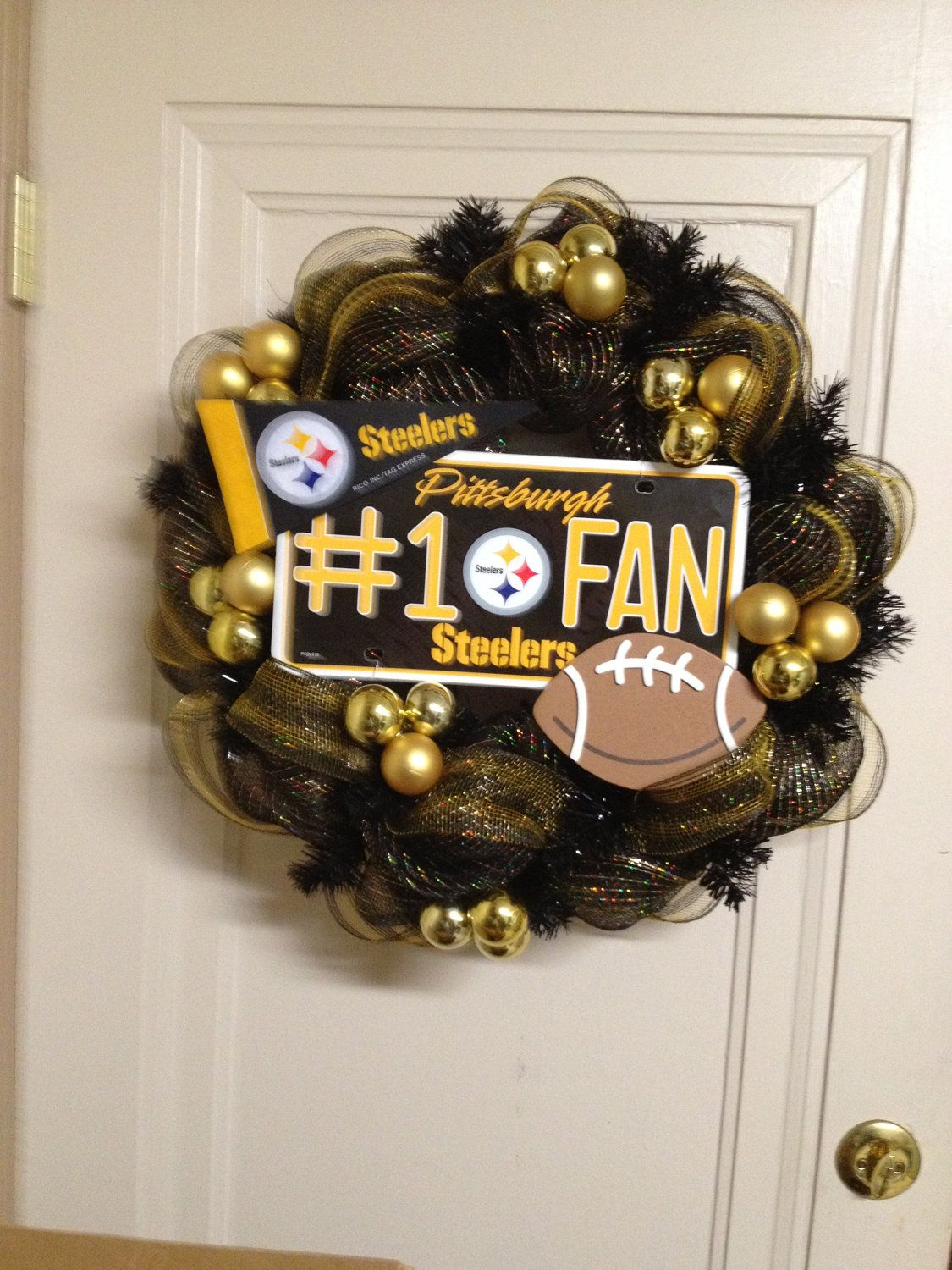 Deco Mesh Pittsburgh Steelers Wreath 45 00 Via Etsy
