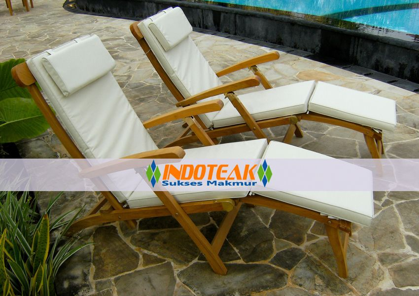 Steamer Chairs Garden Furniture With Cushion In Antique White Color Teak Outdoor Furniture Manufacturer Indonesian Teak Furniture Manufacturers High Class