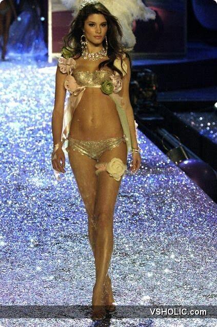 7a761ea6d1 Victoria s Secret Fashion Show - Marija Vujovic 2005 - Sexy Crystal  Princesses segment