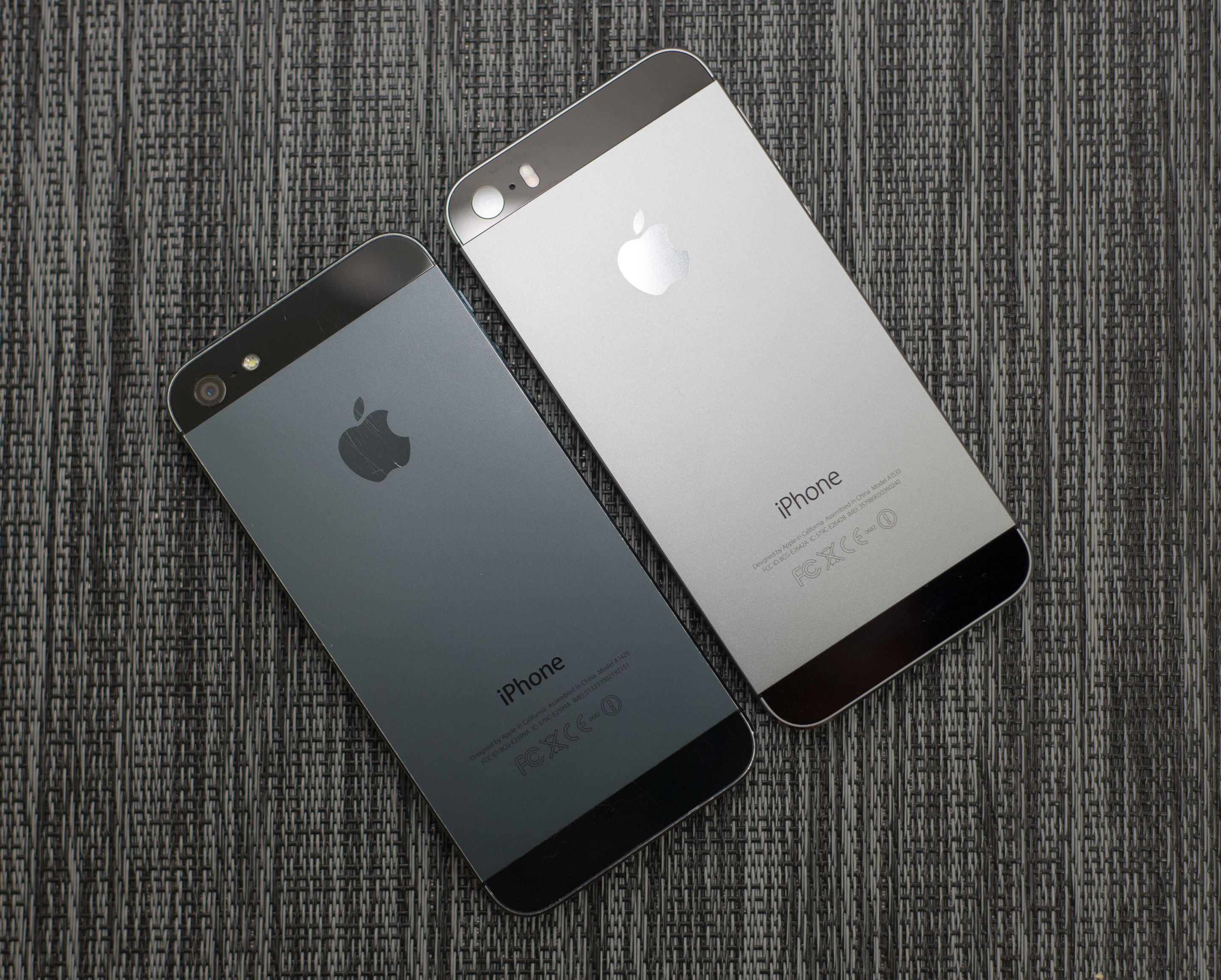 Black Iphone 5 And Space Grey 5s 50 Shades Of Apple 7 256gb Garansi Inter