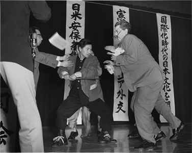 森村泰昌 浅沼稲次郎社会党委員...