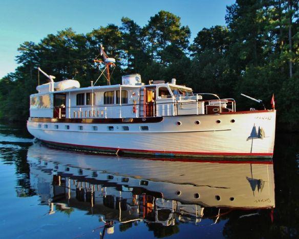 1939 trumpy 61 house boat power boat for sale boat design boat plans. Black Bedroom Furniture Sets. Home Design Ideas
