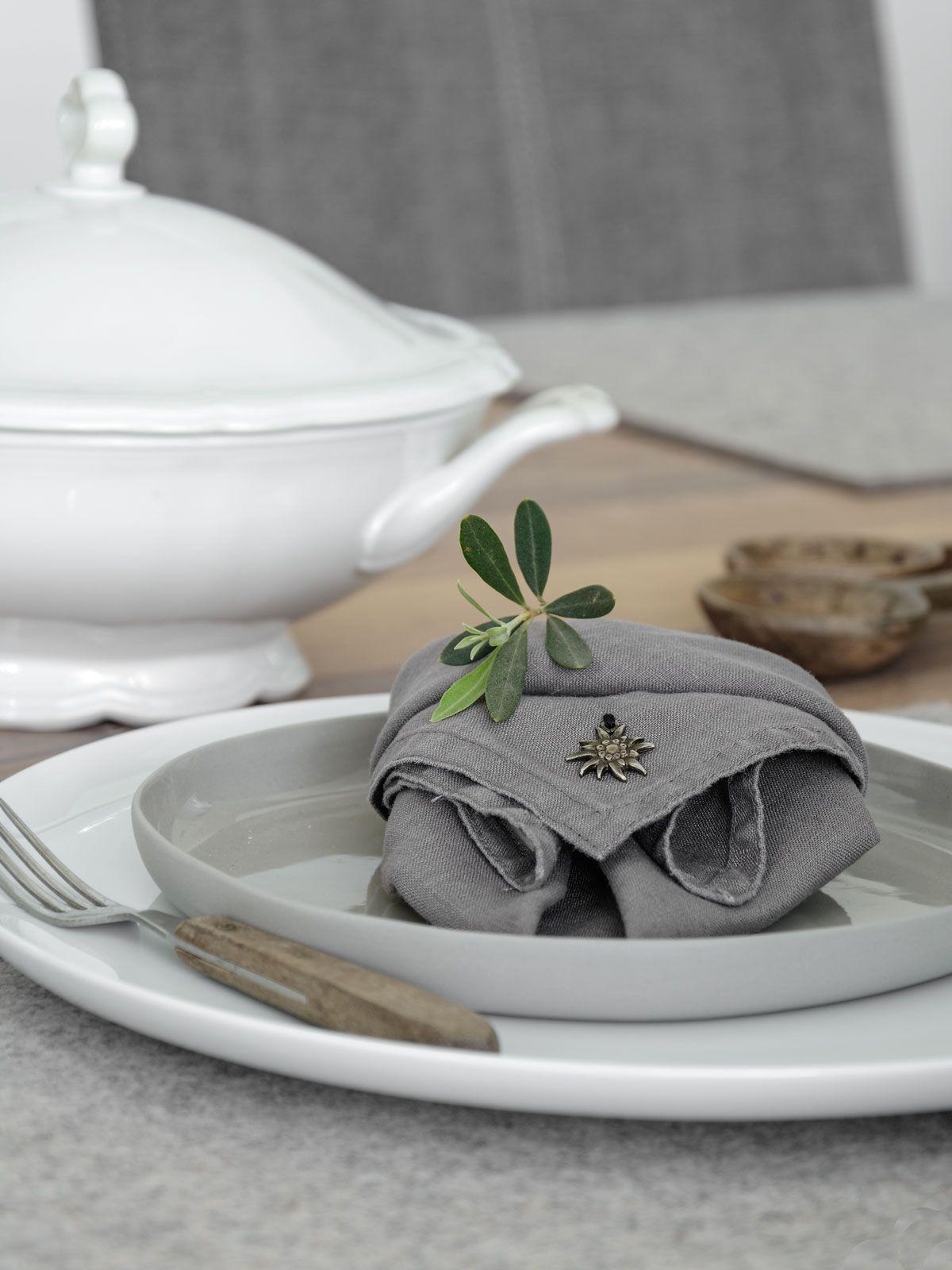 Diy Tischdeko Tisch Dekoration Und Edelweiss