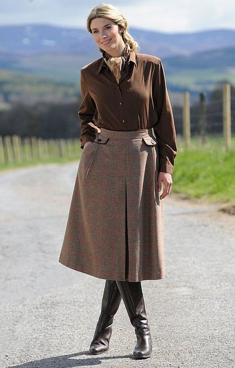 e421b71b8fd midwestwasp  Tweed riding skirt by House of Bruar.
