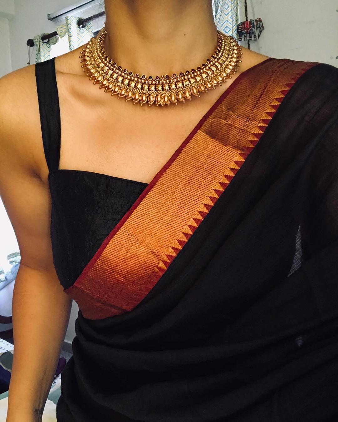 Black saree Gold border Black blouse Gold choker n
