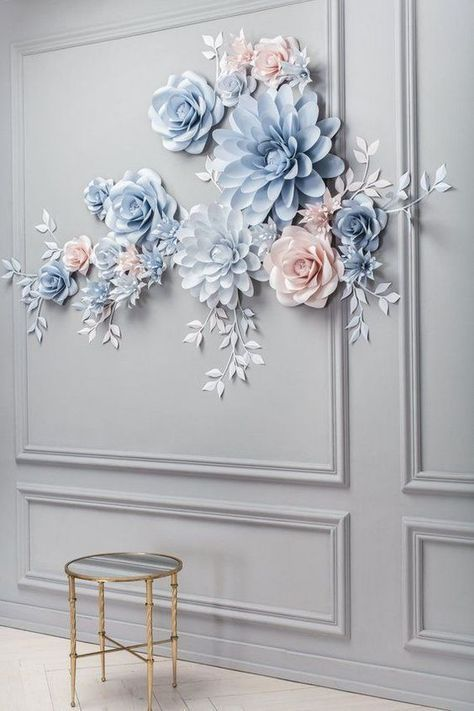 Wedding Paper Flower Backdrop - Alternative Paper Flower Arch - Wedding Reception Decor - #Alternative #Arch #Backdrop #Decor #Flower #paper #Reception #Wedding #paperflowertutorial