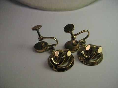 Vintage Gold Tone Curb or Cuban Link Dangle Screw Back Earrings, Mid-Century