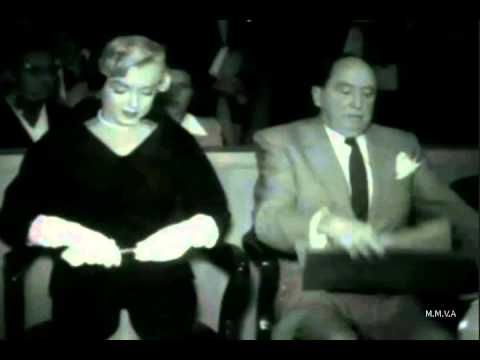 Marilyn Monroe At Court Hearing To Divorce Joe Dimaggio 1954