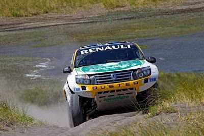 Las Duster camino al Dakar 2013