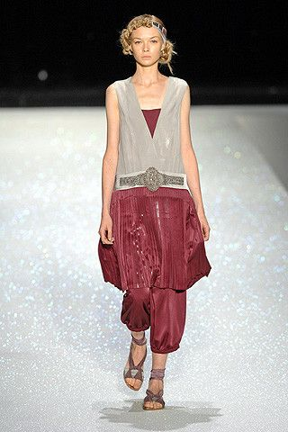 Antonio Marras LOVE this look--harkens to the 20's, but right on style NOW