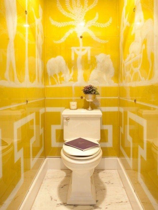 Menggunakan Warna Kuning Cerah Untuk Kesan Segar Kamar Mandi Anda