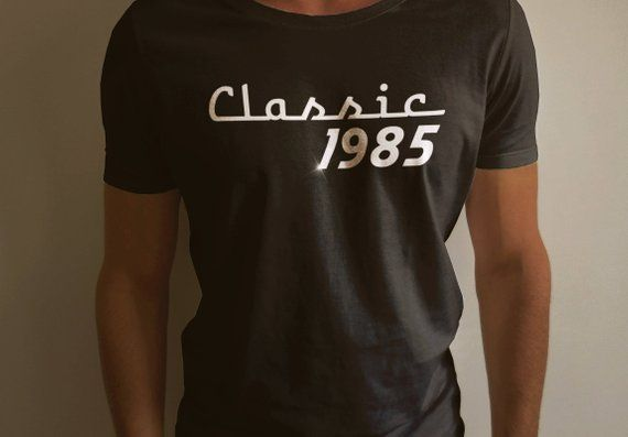 6a319b89d Classic 1985 - Cool Short-Sleeve Men T-Shirt For Vintage Car Lover -  Classic Car Shirt - Old School