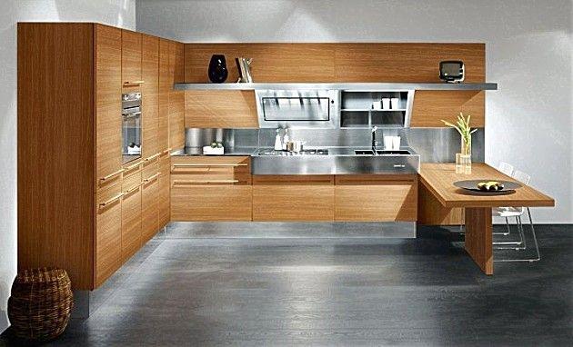 Houten keuken gecombineerd met metaal