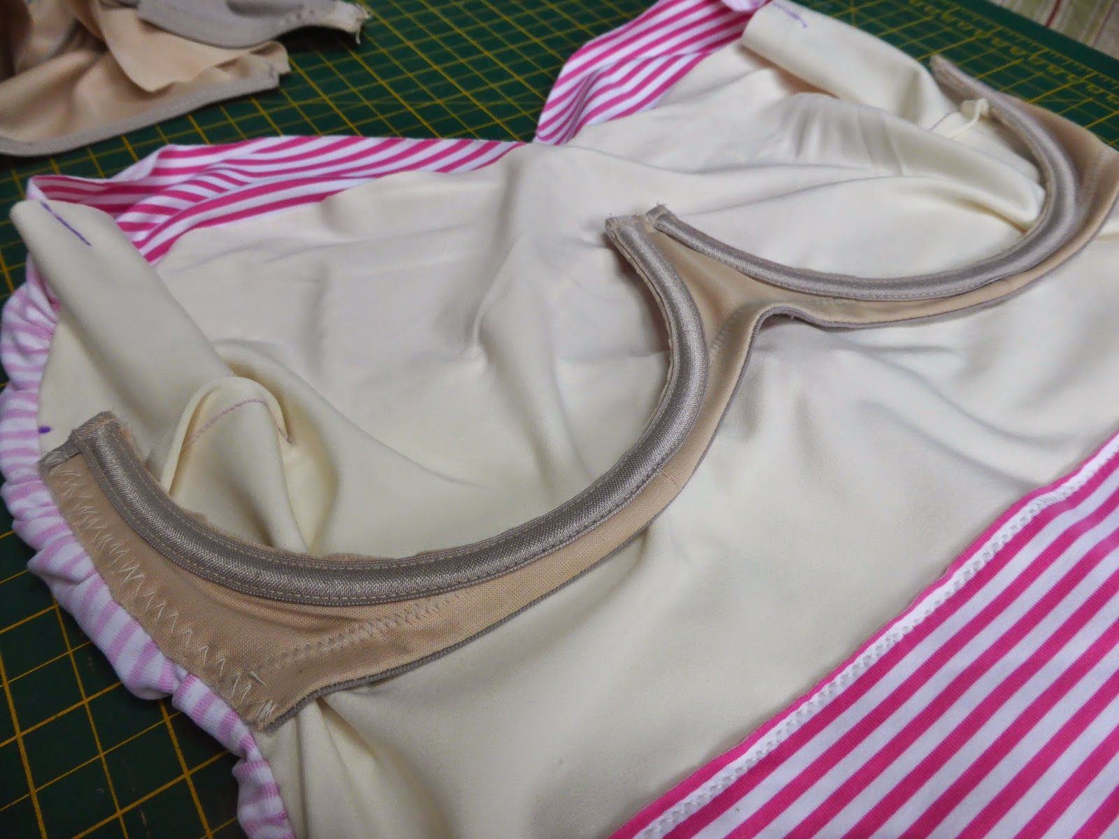 5210d2c45e7fa Jo sews  Adding support to the Bombshell Swimsuit for Bigger Boobs Sewing  Bras