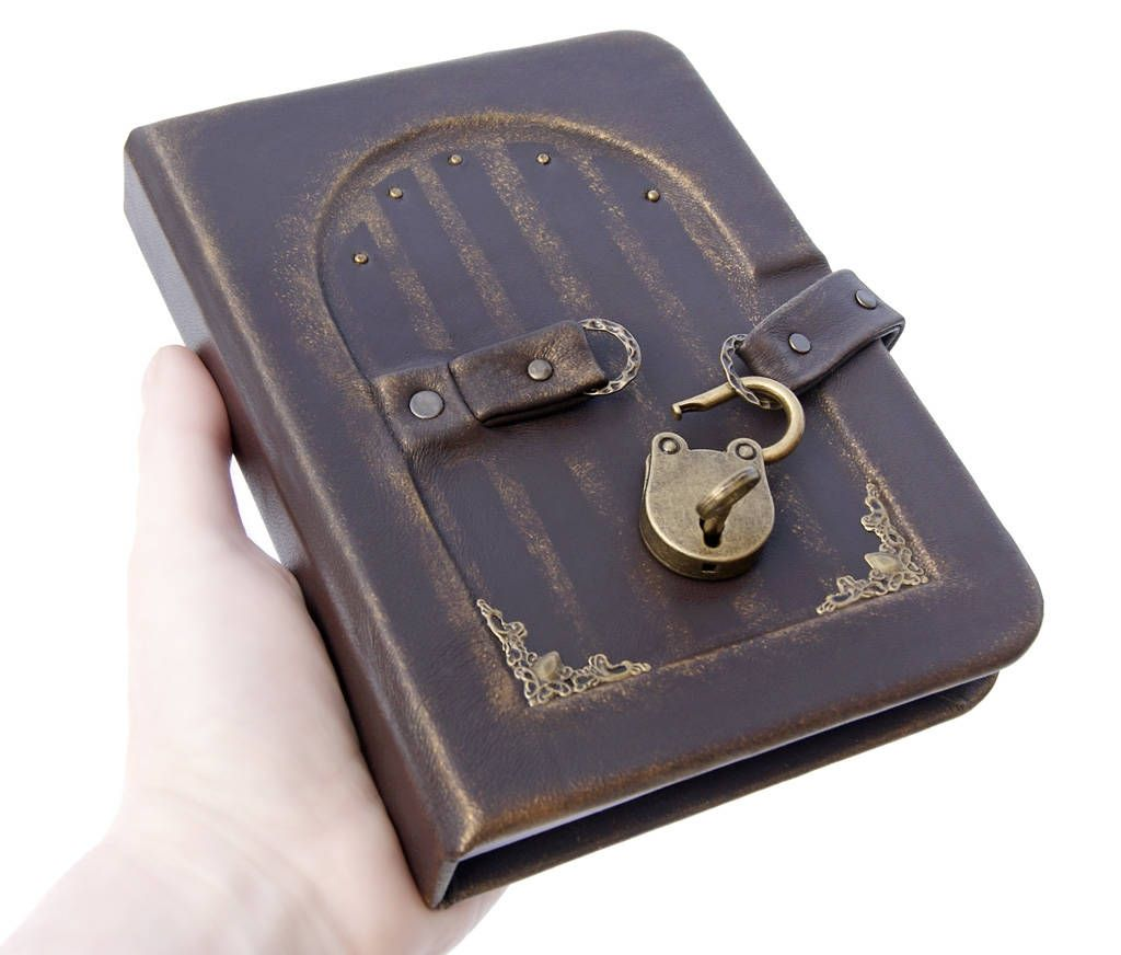 Personalized Leather Journal With Lock And Key Leather Etsy In 2020 Personalised Leather Journals Leather Diary Leather Journal