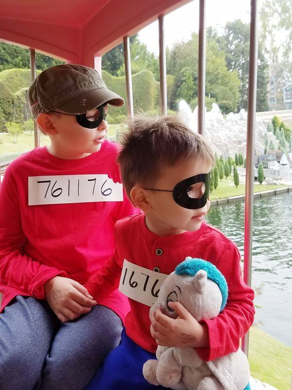 The Beagle Boys Group Costume Group Costumes Costumes Boy Groups
