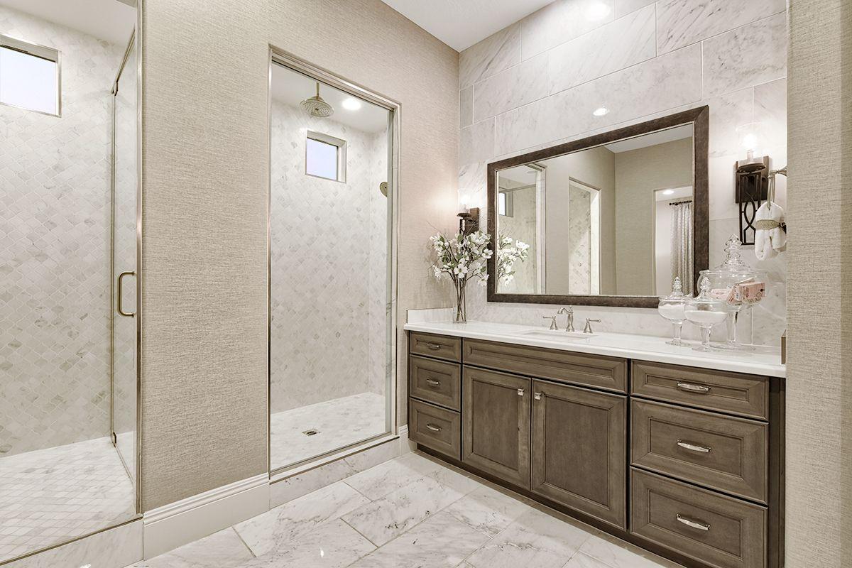 Nevada Salle De Bain neutral shades in a sophisticated master bath | julia model