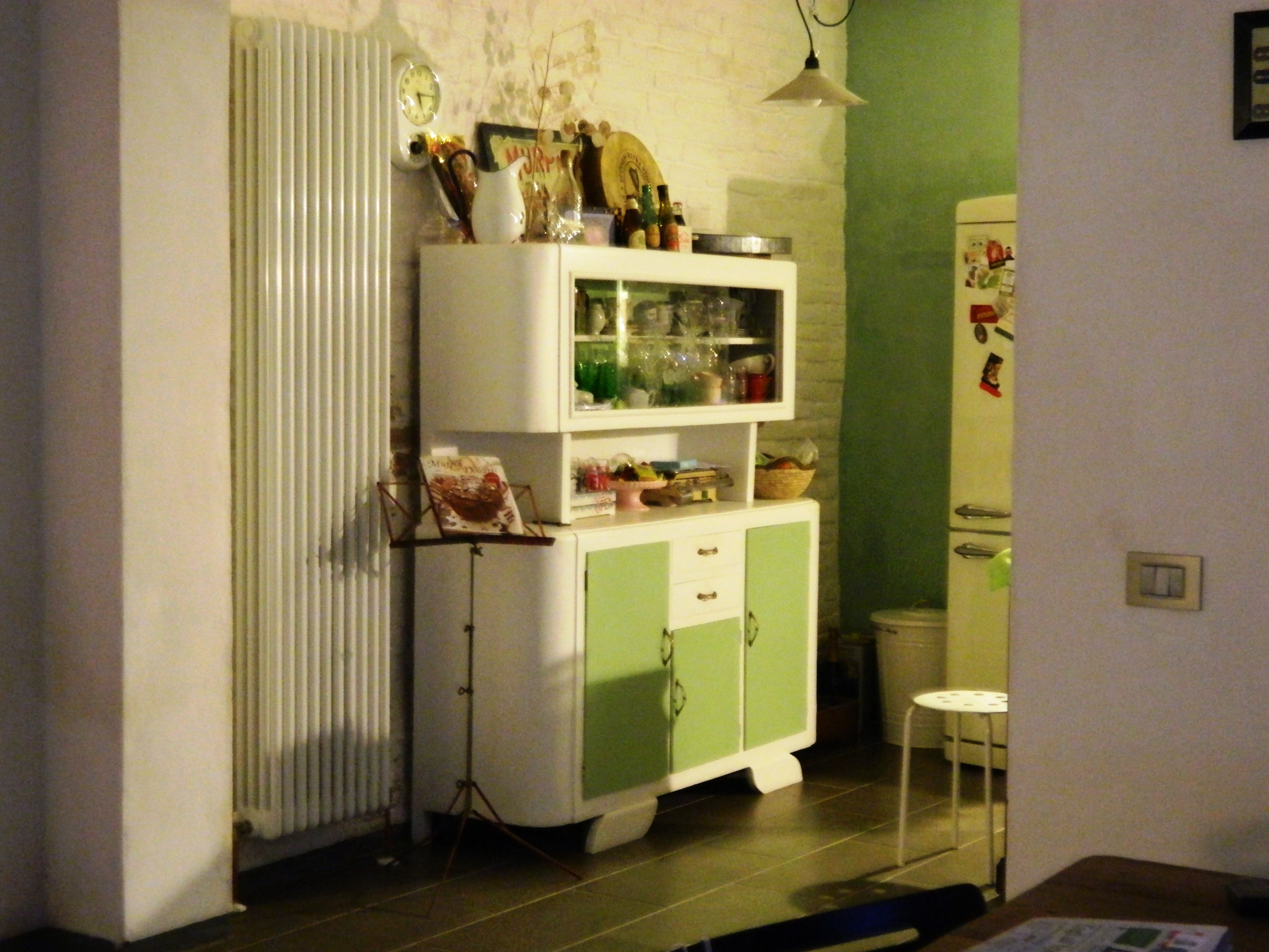 La credenza anni 50 della mia cucina; recuperata e decorata da me ...