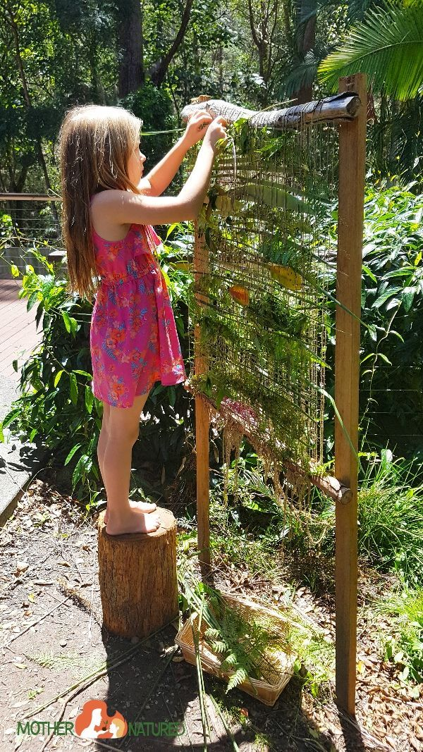 How to make a backyard nature weaving frame that will give you calm kids