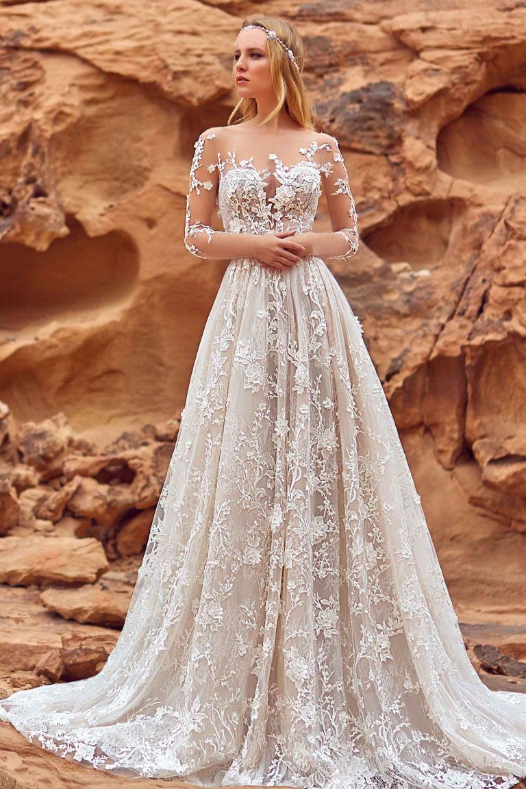 Robe de mariée haute couture en dentelle