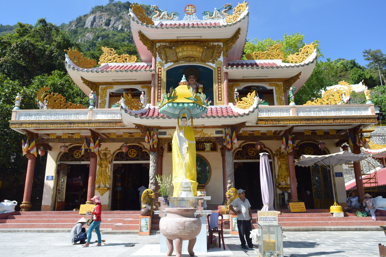 Nui Ba Den Temple, Vietnam