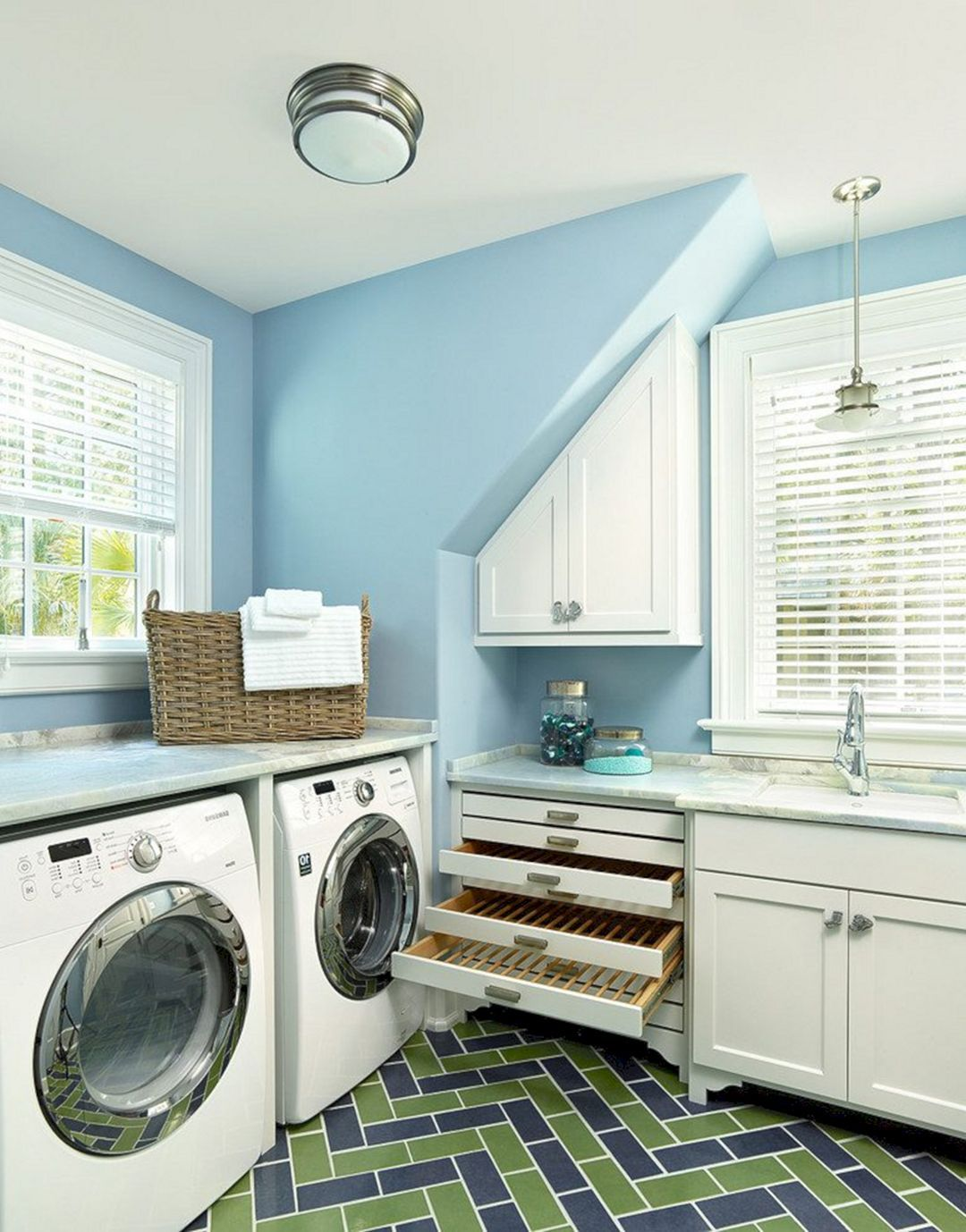 15 most creative laundry room design and decor ideas on extraordinary small laundry room design and decorating ideas modest laundry space id=63435