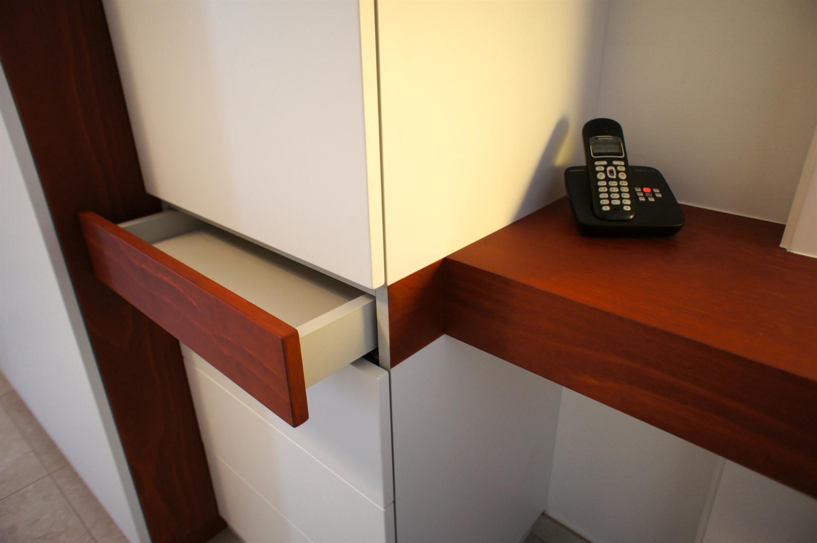mobilier intéressant au niveau de son ergonomie et de son esthétique #http://heleneverbeeren.archi