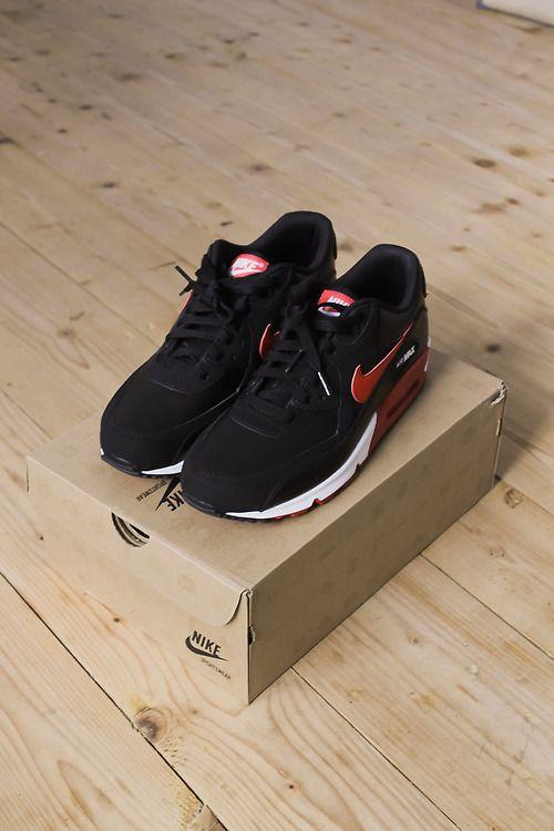 Nike Air Max Black Velvet Red