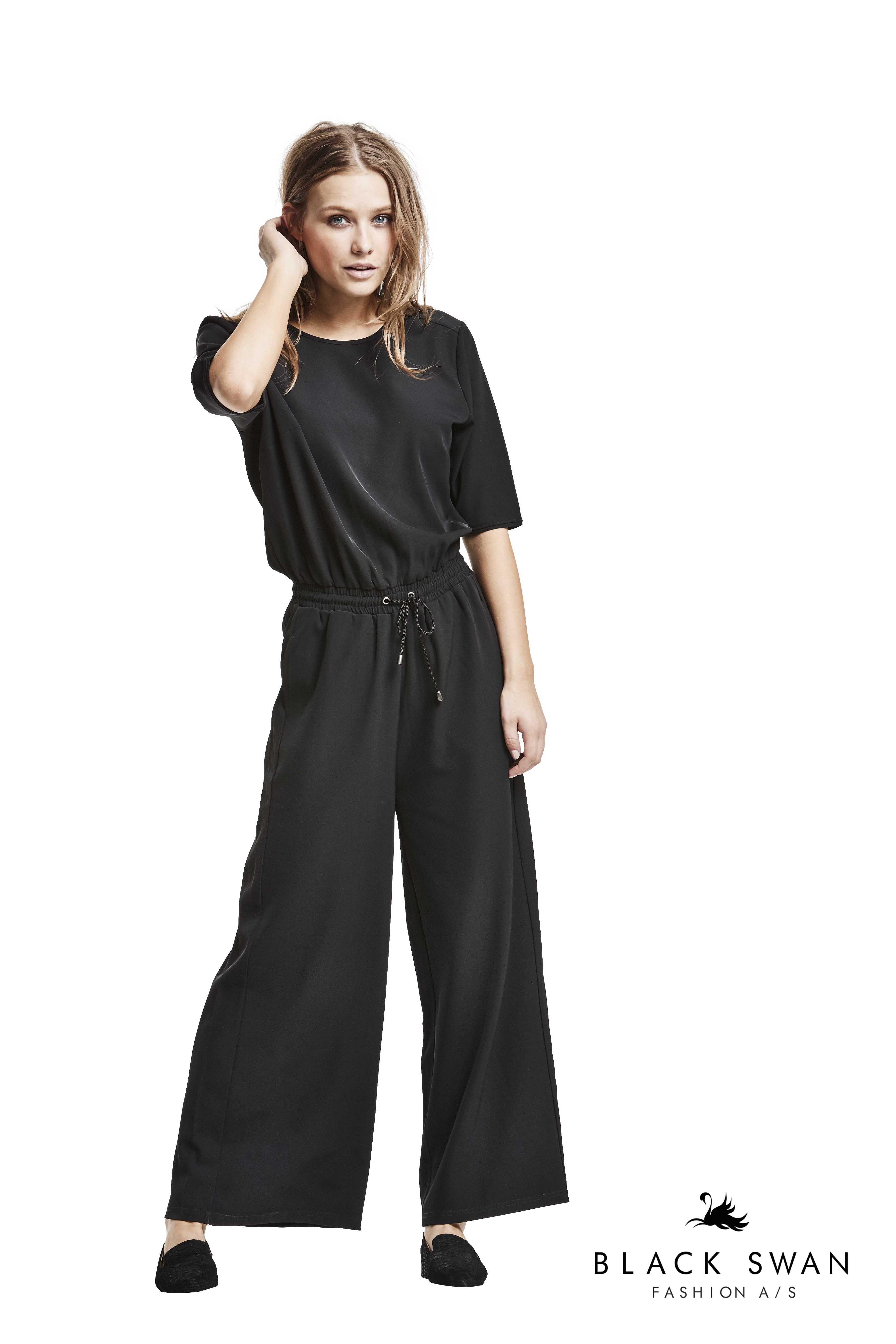 db3ec0fe Kim jumpsuit   BLACK SWAN AW17   Dametøj