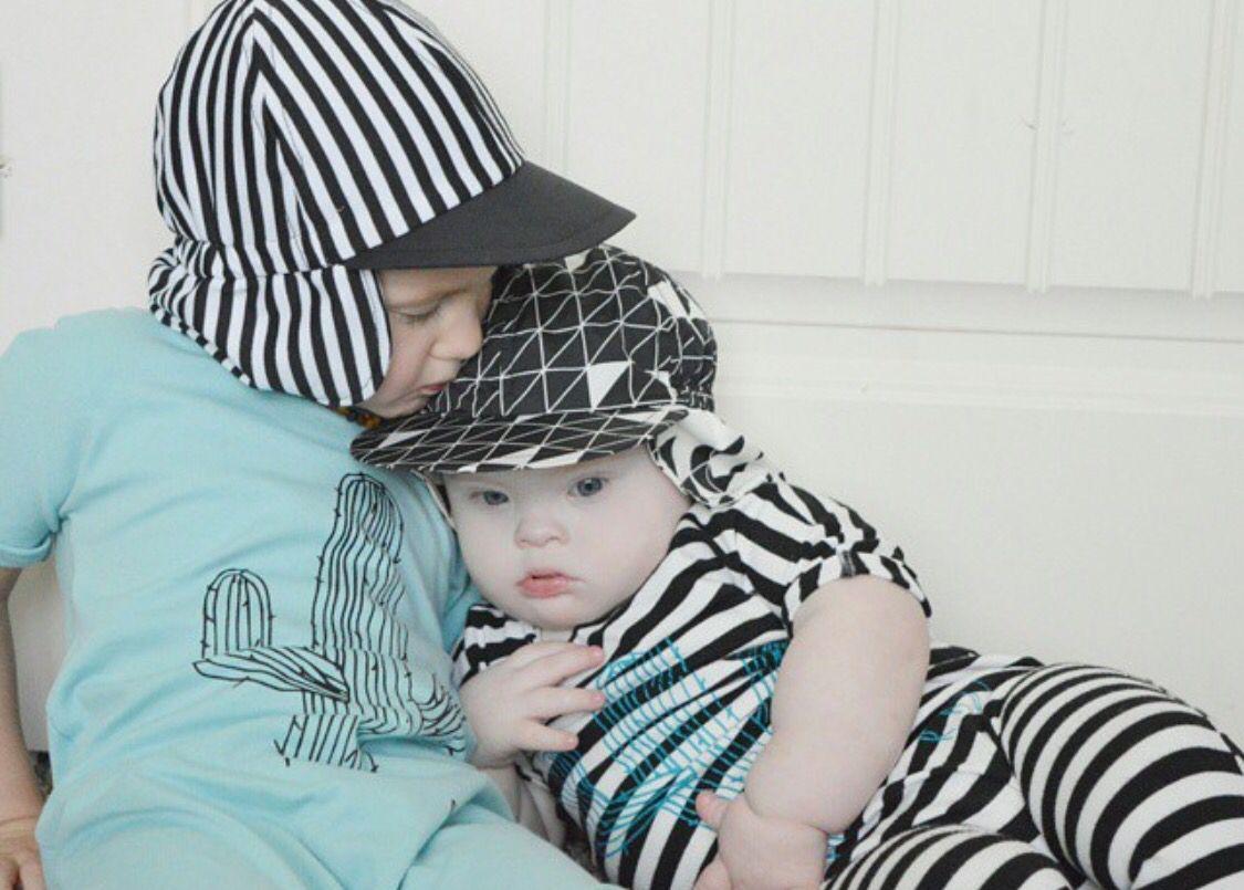 Brotherly love stripes sun hat triangle sun hat