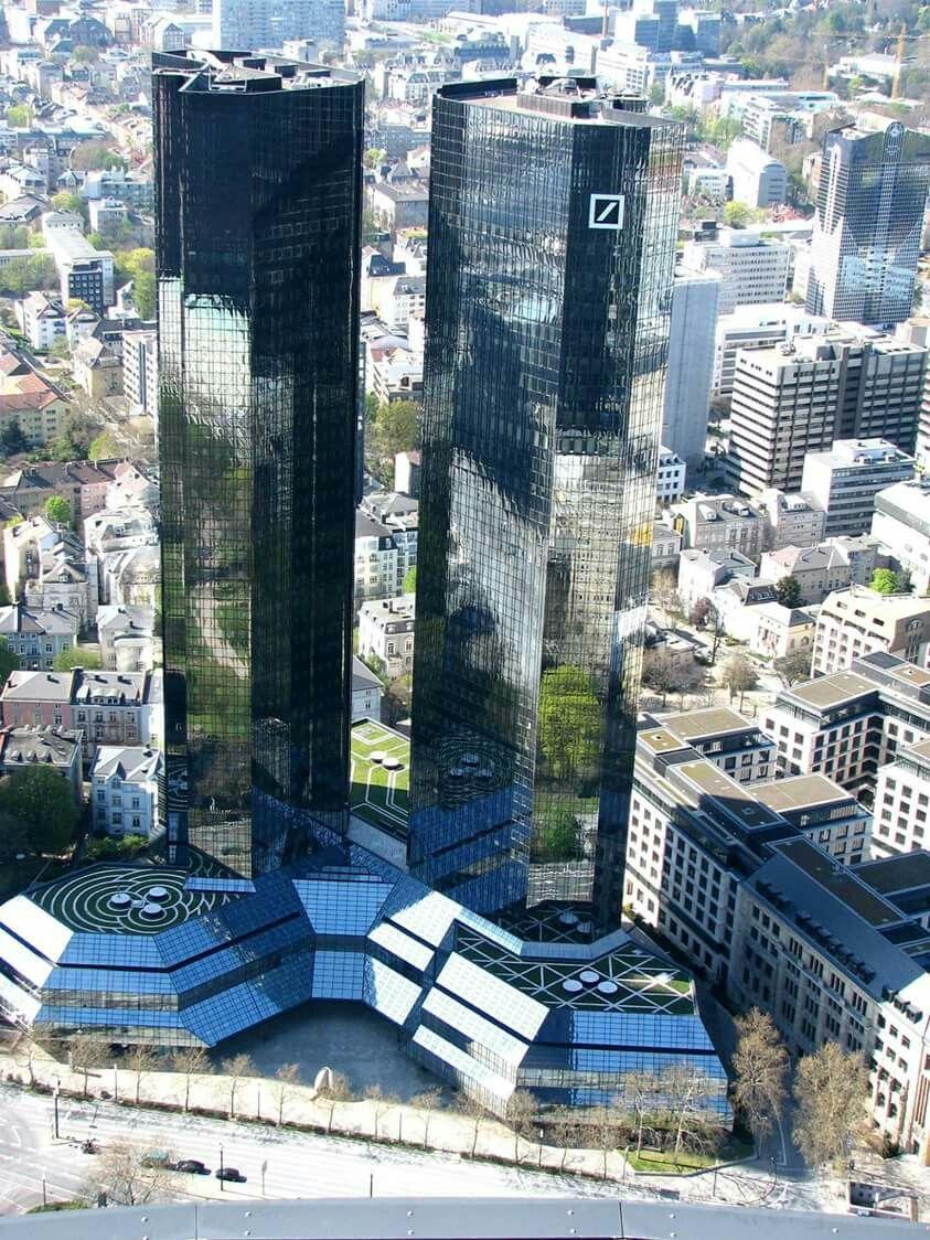 FRANKFURT . DIE TUERME DER DEUTSCHEN BANK . Frankfurt am