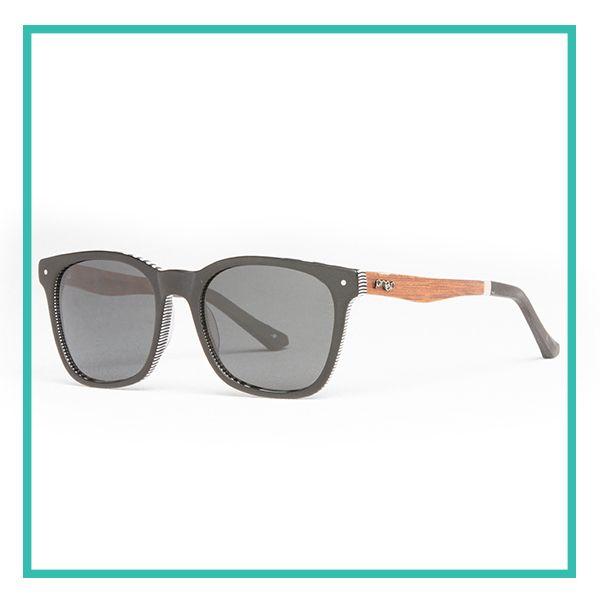 Cada par de óculos da Proof é artesanalmente produzido a partir de madeiras naturais. Esta armação combina silhuetas de inspiração clássica com uma estrutura moderna. Estes óculos criam uma aparência confiante, suave e completamente única. Compra agora - http://www.dialetu.com/pt/scout-black-polarized   #proof #style #sunglasses #eyes #fashion #black #wood #nature #lifestyle #dialetu
